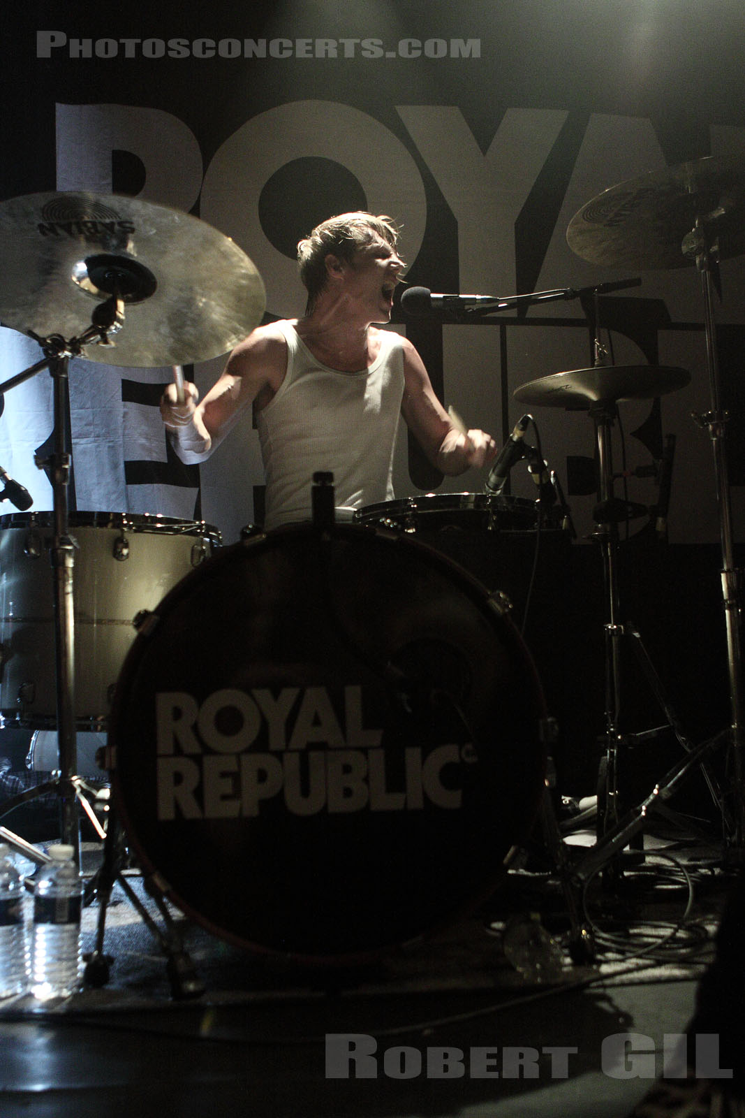 ROYAL REPUBLIC - 2011-02-05 - PARIS - La Maroquinerie