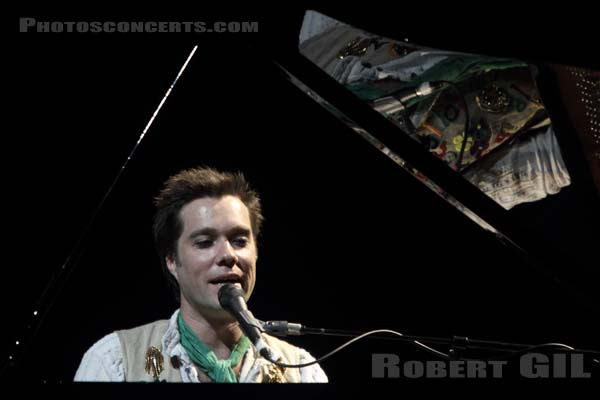 RUFUS WAINWRIGHT - 2010-05-03 - PARIS - Theatre Mogador