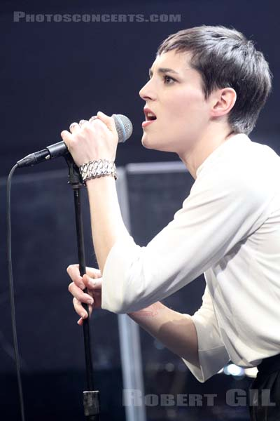 SAVAGES - 2014-03-26 - PARIS - Radio France (Studio 105)