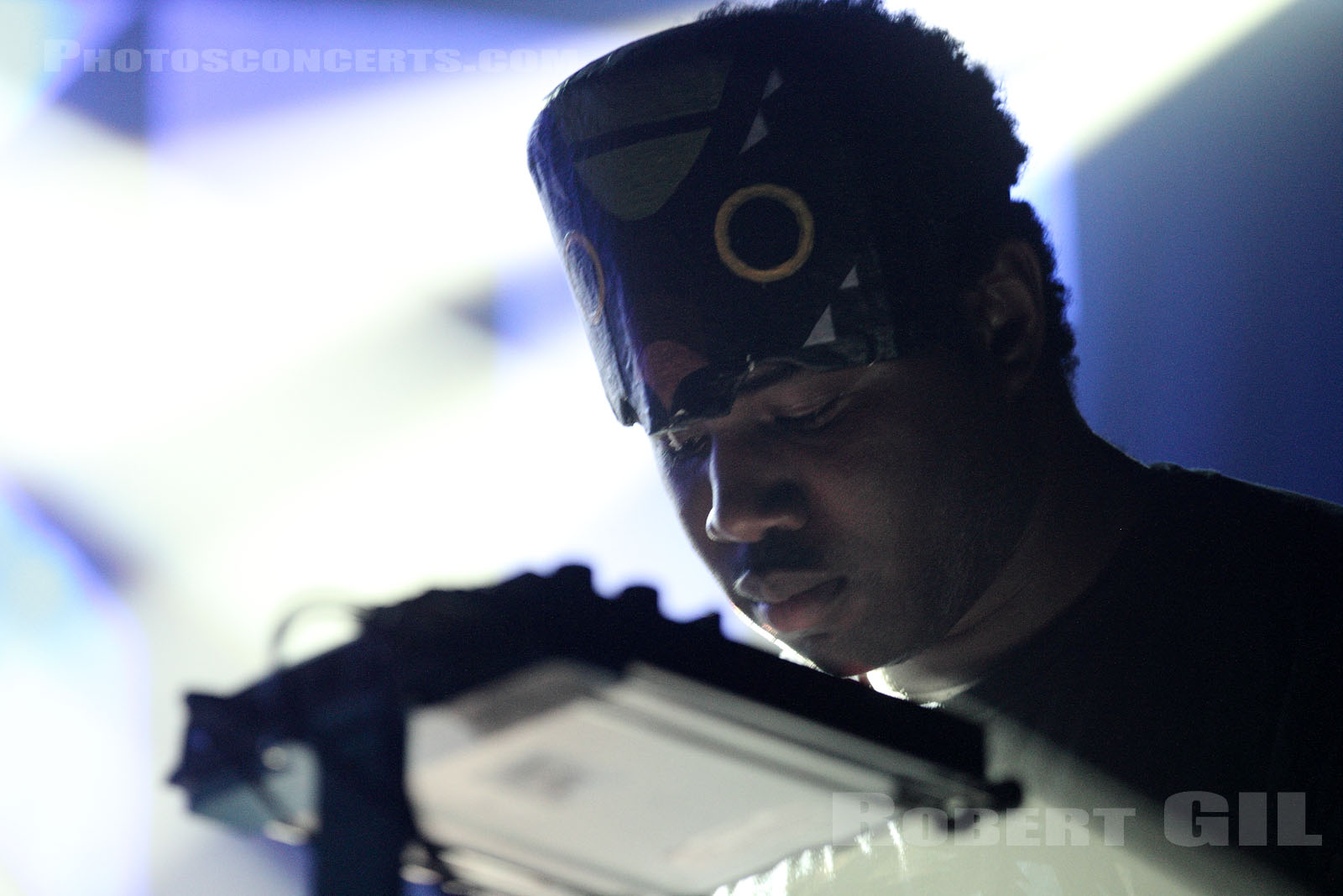 SBTRKT - 2012-02-17 - PARIS - La Machine (du Moulin Rouge)