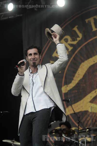 SERJ TANKIAN - 2008-08-28 - SAINT CLOUD - Domaine National - Grande Scene