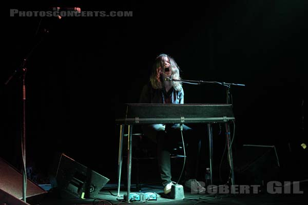 SHANNON WRIGHT - 2010-09-30 - PARIS - Point Ephemere