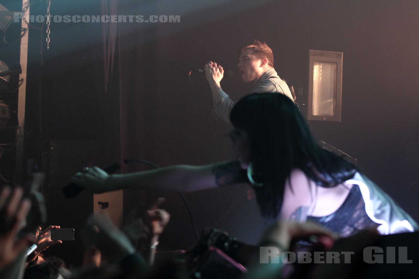 SLEIGH BELLS - 2012-03-05 - PARIS - La Machine (du Moulin Rouge)