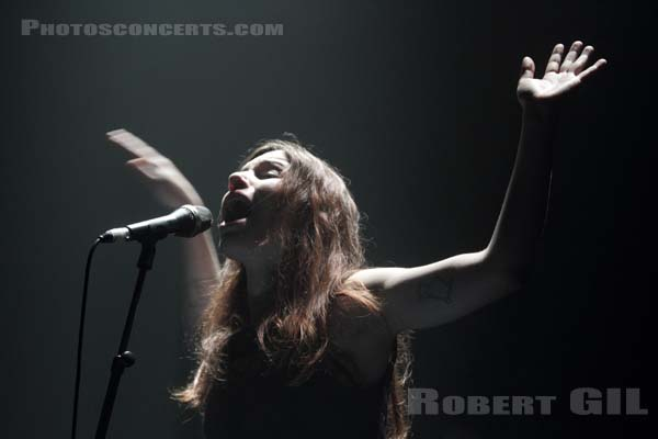 SOAP AND SKIN - 2012-10-28 - PARIS - La Cigale
