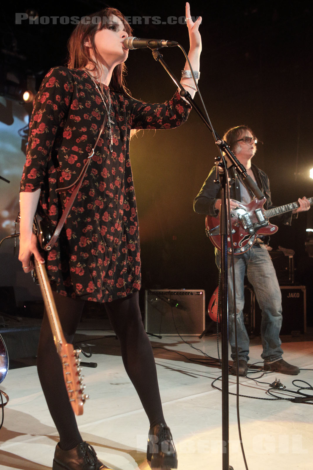TESS PARKS AND ANTON NEWCOMBE - 2015-09-19 - ANGERS - Le Chabada