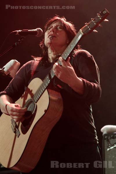 THE BREEDERS - 2013-06-01 - PARIS - Le Trianon