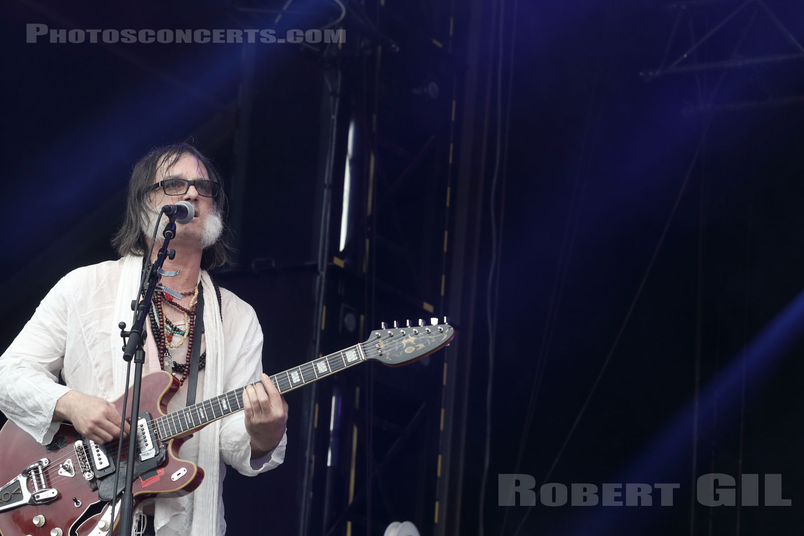 THE BRIAN JONESTOWN MASSACRE - 2016-07-01 - HEROUVILLE SAINT CLAIR - Chateau de Beauregard - Scene John