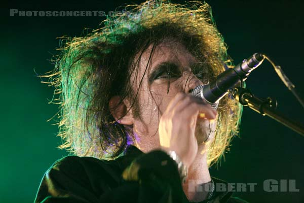 THE CURE - 2005-08-13 - SAINT MALO - Fort de St Pere