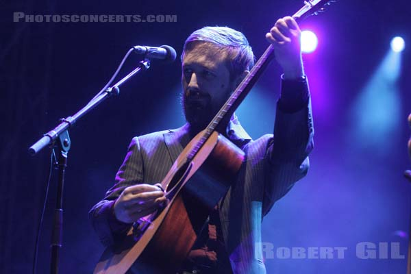 THE DIVINE COMEDY - 2015-05-30 - NIMES - Grande Scene Flamingo
