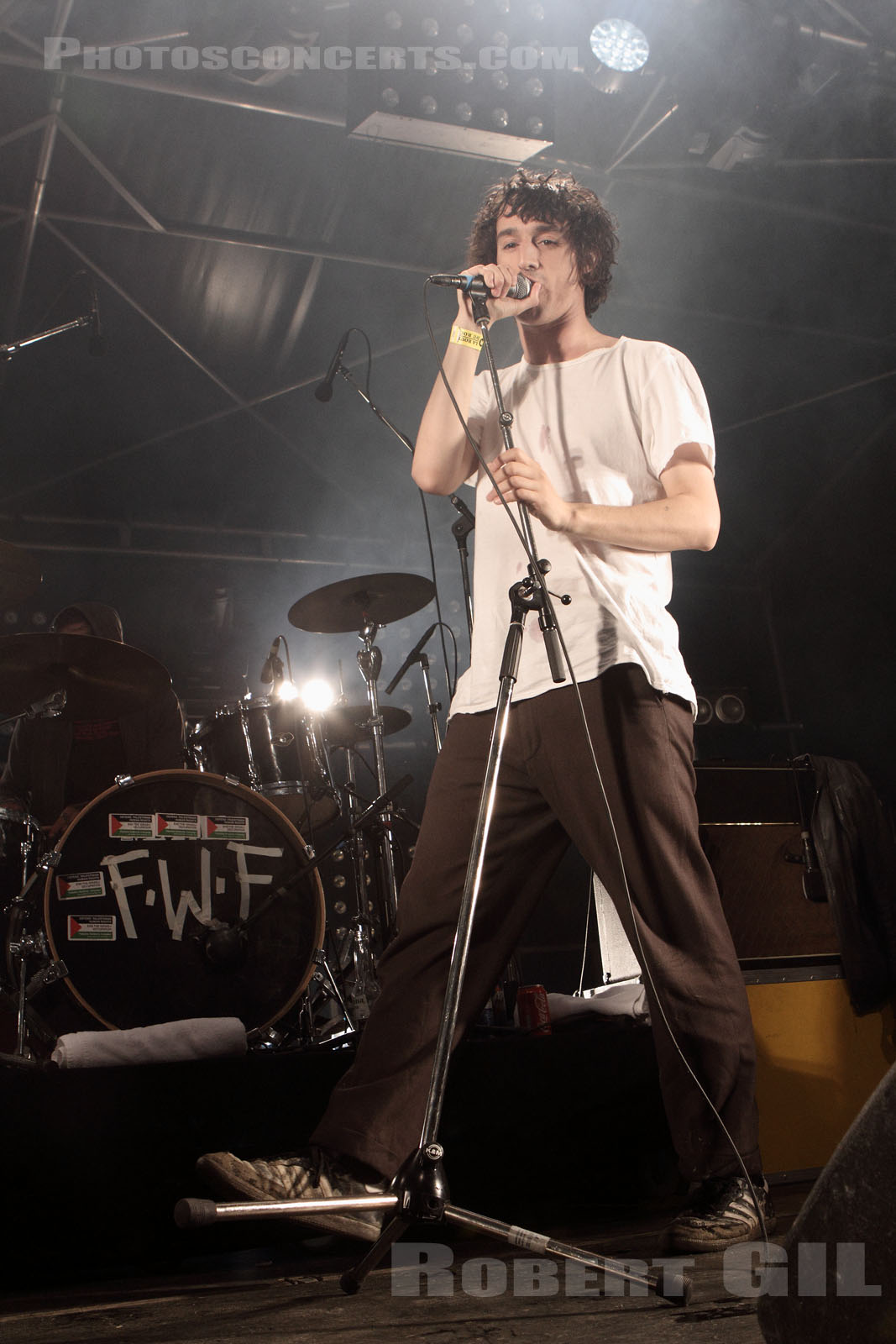 THE FAT WHITE FAMILY - 2014-08-14 - SAINT MALO - Fort de St Pere - Scene des Remparts