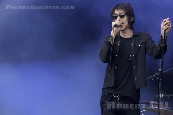 THE HORRORS - 2016-07-02 - HEROUVILLE SAINT CLAIR - Chateau de Beauregard - Scene Beauregard