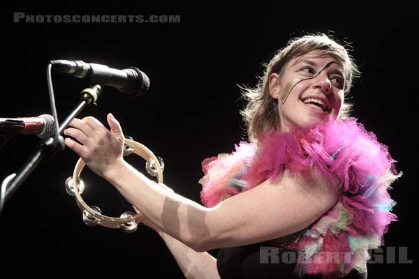 TUNE YARDS - 2011-06-02 - PARIS - Cafe de la Danse