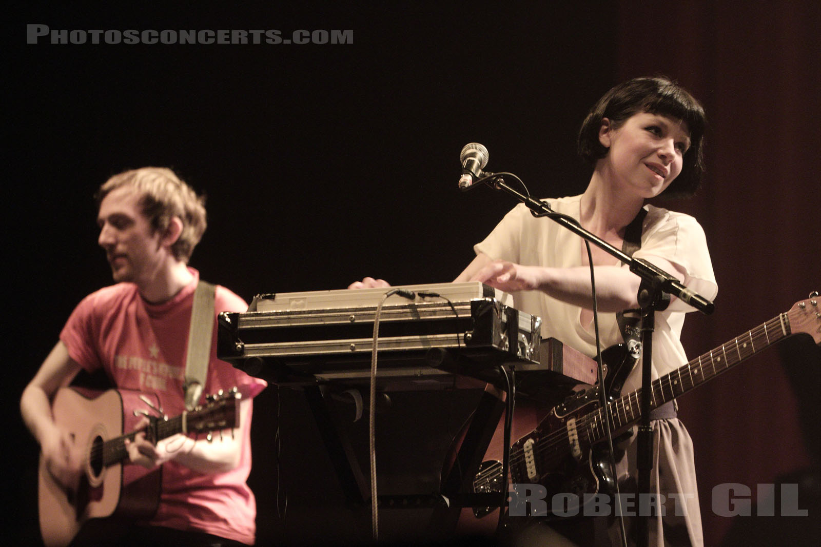 ZOEY VAN GOEY - 2011-04-11 - PARIS - Grand Rex