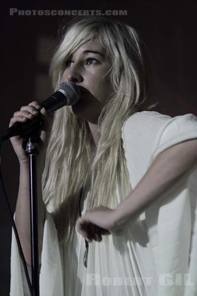 ZOLA JESUS - 2011-09-28 - PARIS - Point Ephemere